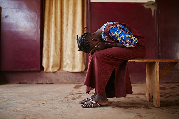 Alice, Opfer sexueller Gewalt in ZAR. Foto: Christophe Da Silva
