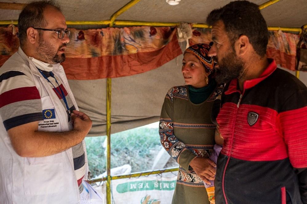 Ein Mitarbeiter von Ärzte der Welt besucht die Familie Al Havvam. Foto: Dünya Doktorlari Derneği / Ärzte der Welt Türkei