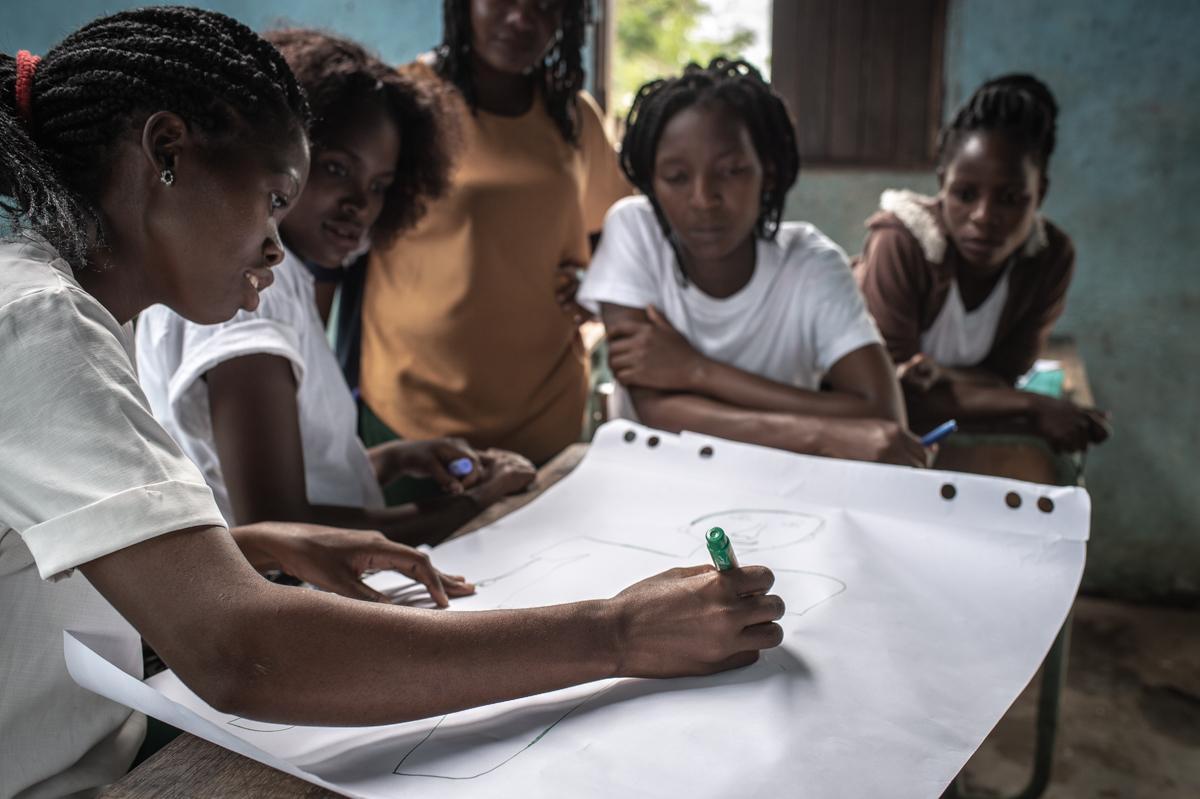 Lokale Fachkräfte bei einer Schulung in Muda Mufa. Foto: Czuko Williams