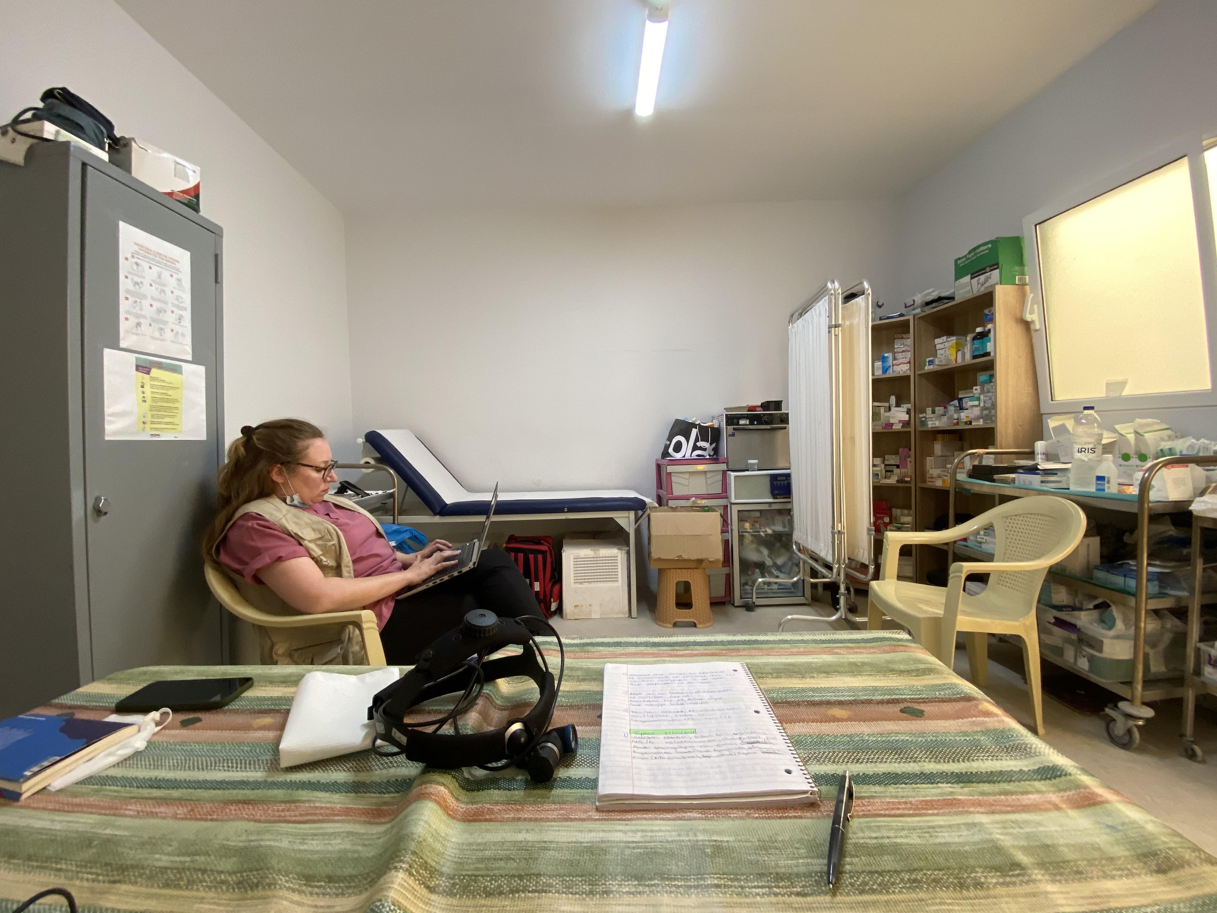 Dr. Laura Gaertner hat ihre Eindrücke aus Kara Tepe 2 aufgeschrieben. Foto: Chris Schmidt