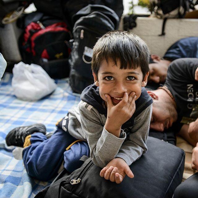 Flüchtlingskind auf der griechischen Insel Lesbos