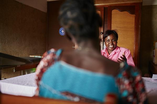 Judith, Opfer sexueller Gewalt in ZAR. Foto: Christophe Da Silva