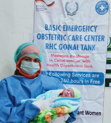 Trotz der Pandemie setzt Ärzte der Welt seine Unterstützung für Frauen und Babys fort.