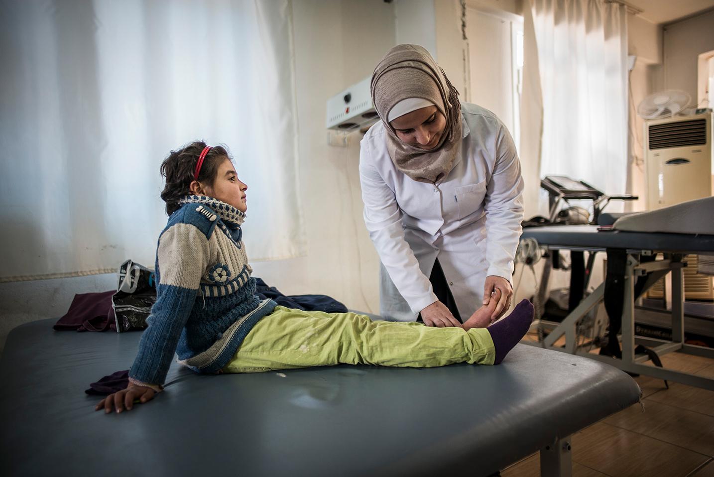 Ärzte der Welt behandelt syrisches Mädchen in Reyhanli