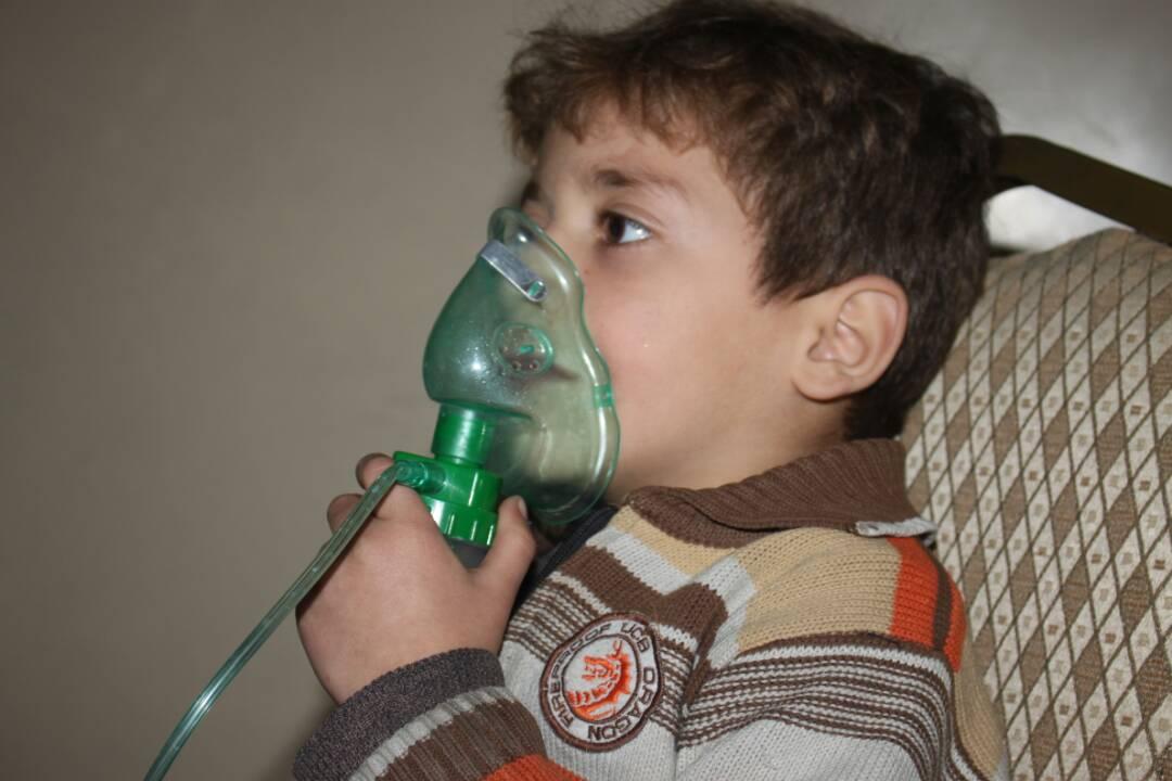Ärzte der Welt behandelt Kind in Syrien