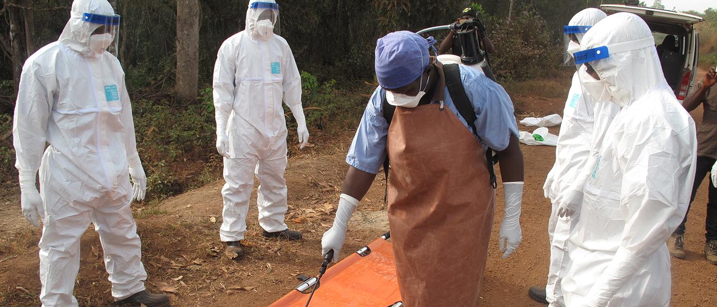 Desinfektion ist eine wichtige Maßnahme zur Eindämmung der Krankheit. Foto: Ärzte der Welt