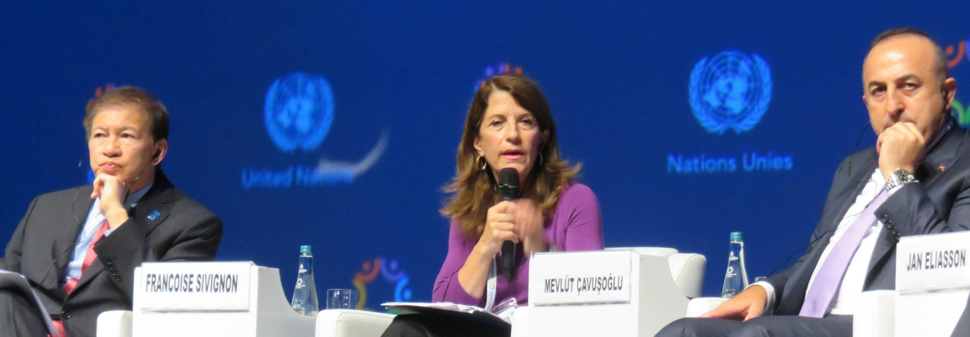 Dr. Françoise Sivignon, Präsidentin von Ärzte der Welt Frankreich, vertritt alle 500 internationalen Nichtregierungsorganisationen (NRO). Foto. Ärzte der Welt