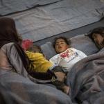 Noch immer sind Flüchtlinge unter schlechten Bedigungen untergebracht. Foto: Olmo Calvo