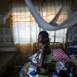 Eine kongolesische Frau mit ihrem Baby. Foto: Olivier Papegnies