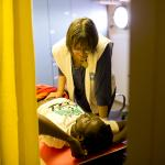 Als humanitäre Helferinnen sind viele Frauen weltweit im Einsatz. Foto: Anne Kamel