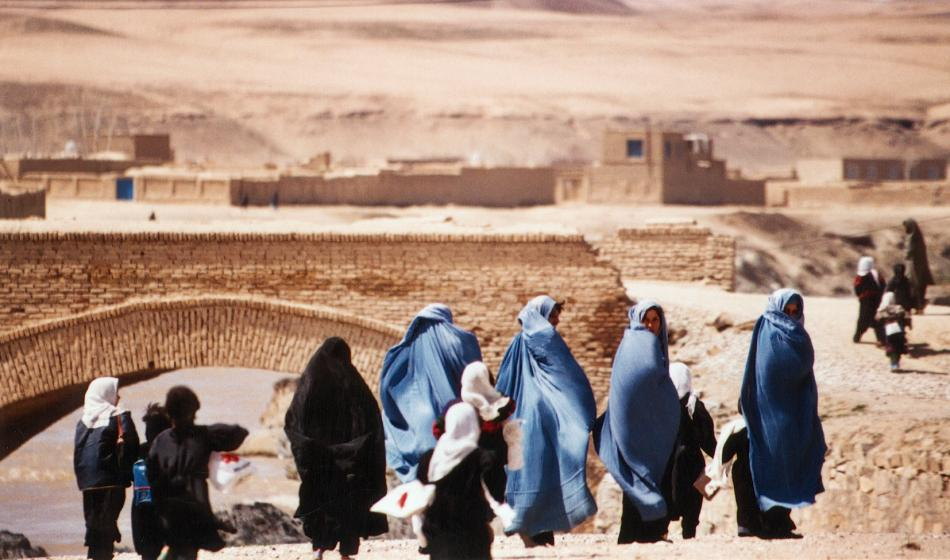 Frauen und ihre Kinder in Afghanistan. Foto: Ärzte der Welt