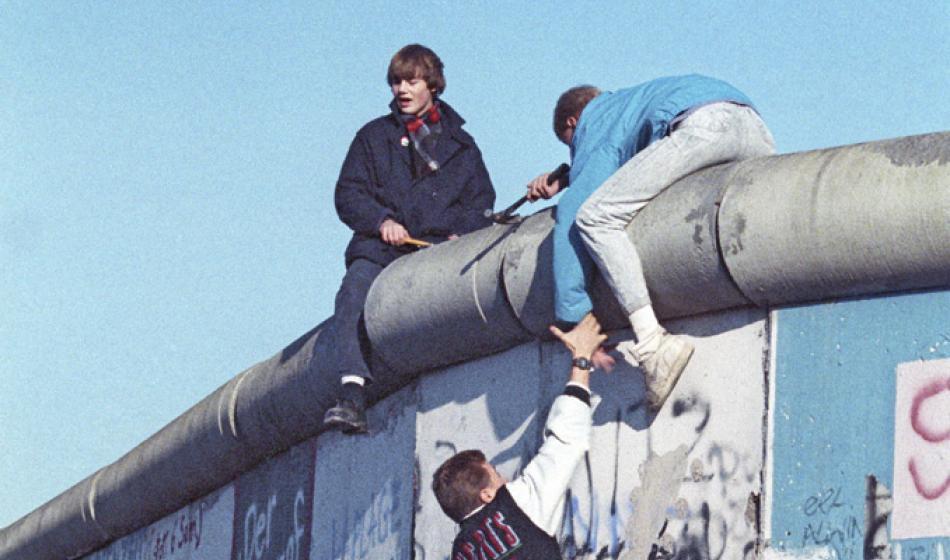 Ende des kalten Krieges: Die Berliner Mauer fällt. Foto: cc RIAN Archive