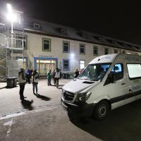 EU-Bürger wird im Münchner Kälteschutz von Ärzte der Welt behandelt. Foto: Sigi Müller