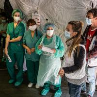 Die Sektionen von Ärzte der Welt setzen sich auch in den jeweiligen Heimatländern im Kampf gegen die Pandemie ein. Foto: I. Marin