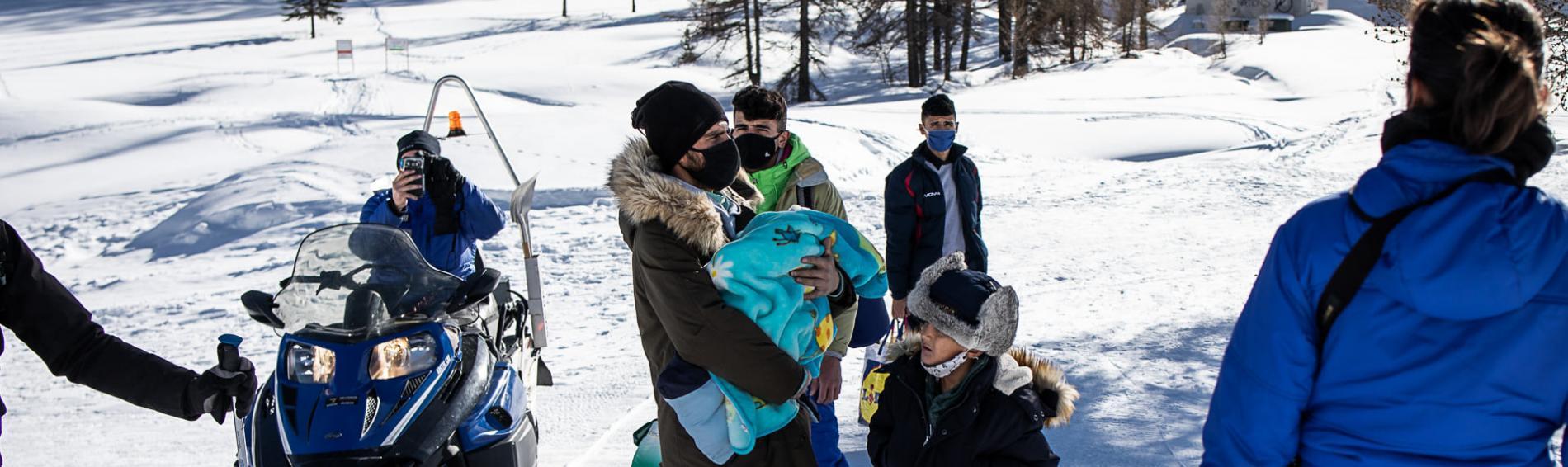 Die Eltern hatten in Begleitung von zwei Kindern, darunter ein Säugling, versucht, die Grenze in einer Höhe von mehr als 2000 m zu überqueren. Foto: Baptiste Soubra