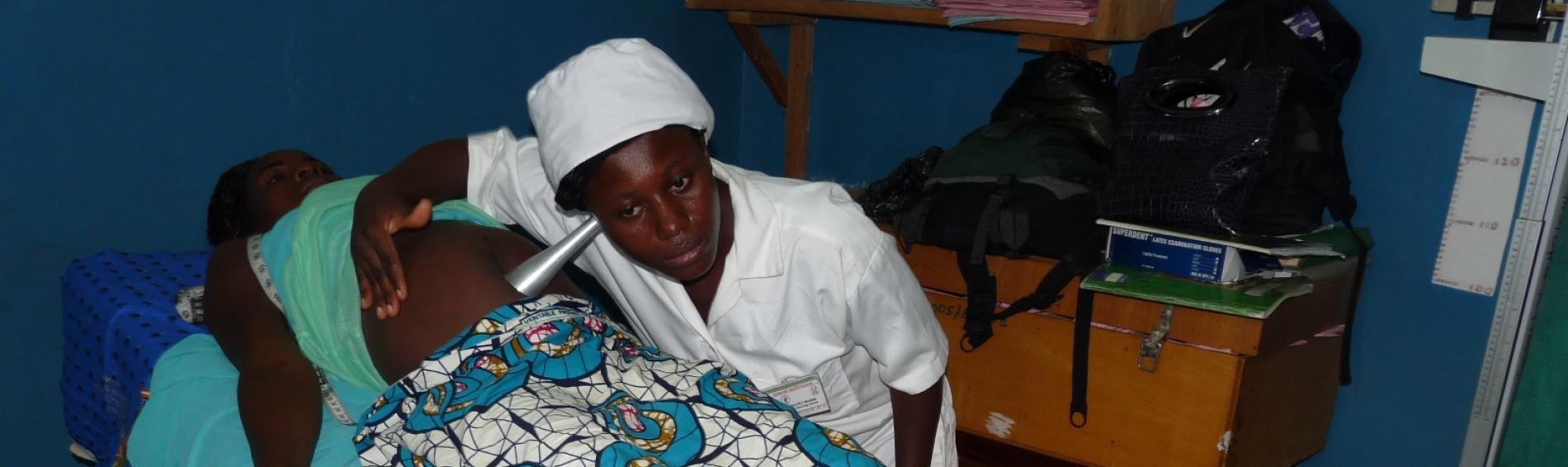 Hebammenprojekt in Togo. Foto: Ärzte der Welt