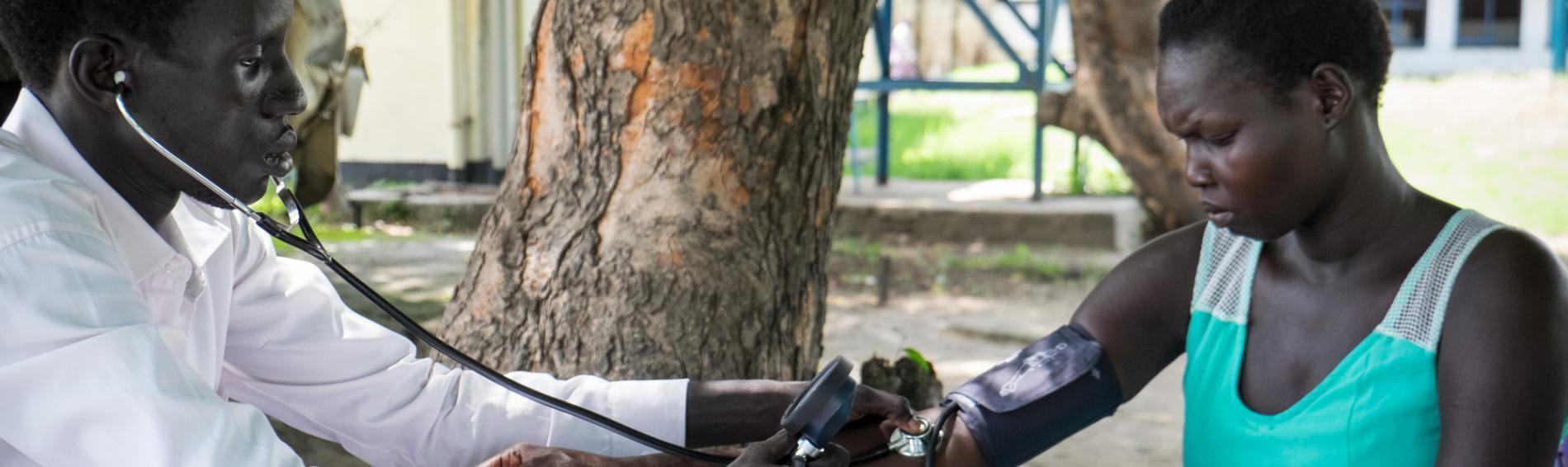 Im Südsudan bietet Ärzte der Welt Müttern und Kinder medizinische Hilfe. Foto: Bruno Abarca