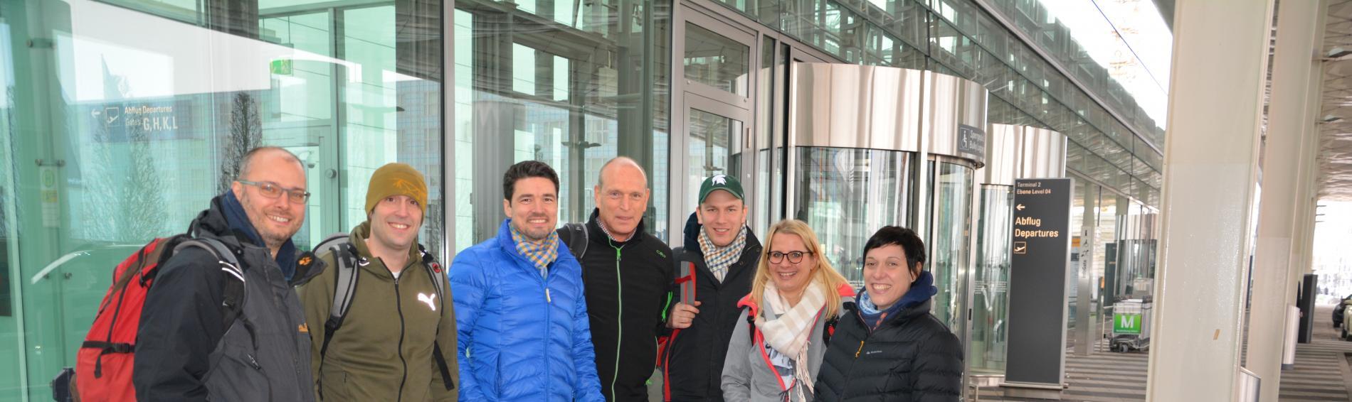 Ärzte-Team am Münchner Flughafen