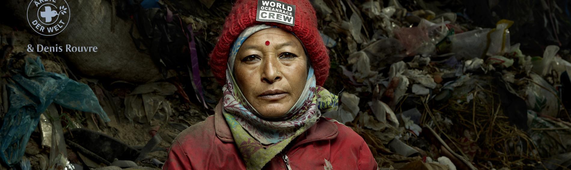 """""""Wenn du nichts hast, respektieren dich die Leute nicht. Sie hören Dir nicht einmal zu."""" Die nepalesischen Müllarbeiterin Sanu Nani Magar hat den Respekt verdient."""