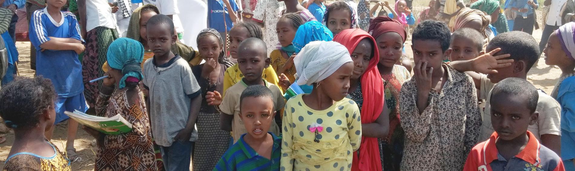 Kinder in Äthiopien im Afar-Gebiet. Ärzte der Welt setzt sich dort gegen die weibliche Genitalverstümmelung ein. Foto: Ärzte der Welt