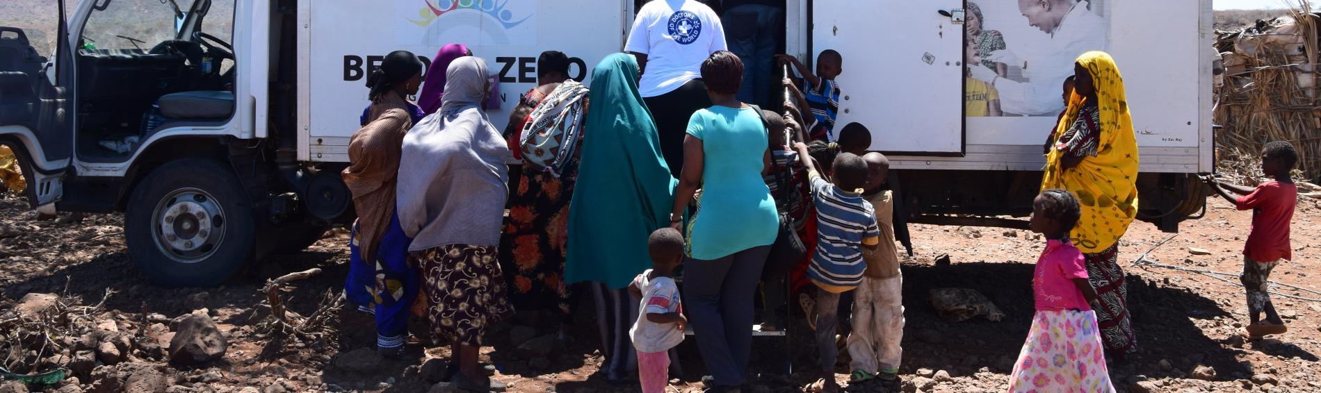 Ärzte der Welt bringt per LKW medzinische Hilfe in abgelegene Regionen  Kenias. Foto: Jelle Boone