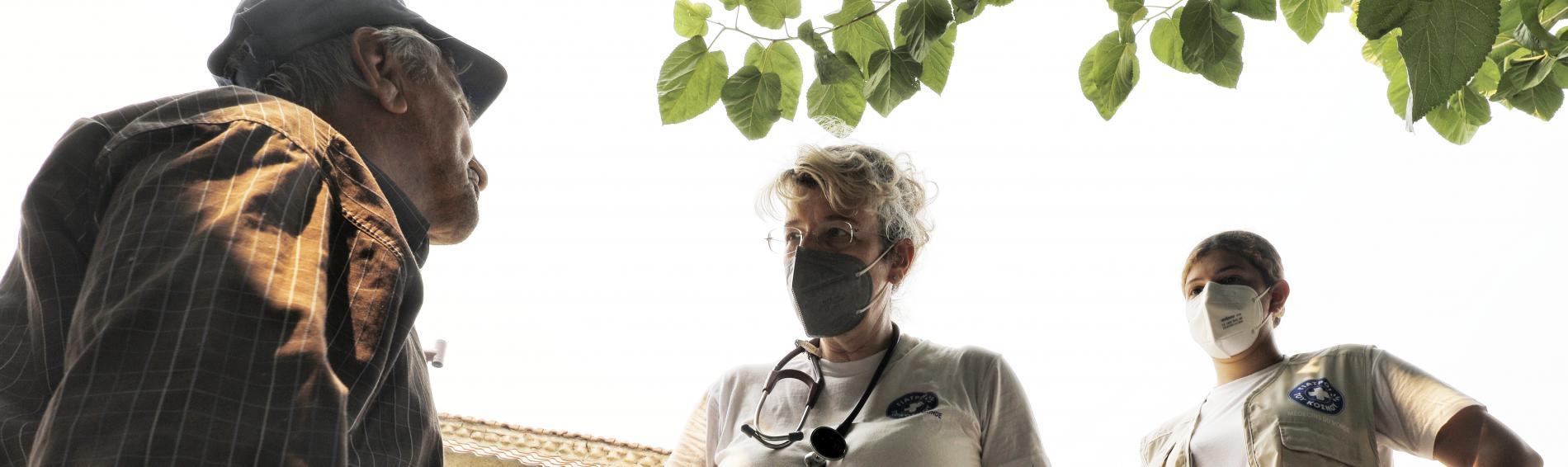 Ärzte der Welt leistet den Menschen in den Brandgebieten auch psychologische Unterstützung. Foto: Yiannis Yiannakopoulos