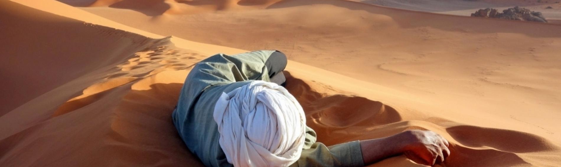 Tausende Menschen kommen bei der Durchquerung der Sahara ums Leben. Foto: Ärzte der Welt