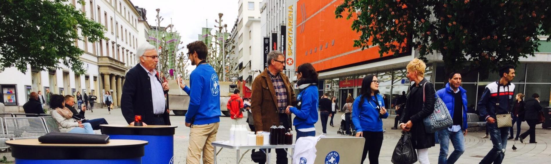 Mit Aktionen auf der Straße macht  Ärzte der Welt auf seine Arbeit aufmerksam und rekrutiert neue Unterstützer-/innen. Foto: Pepperminds