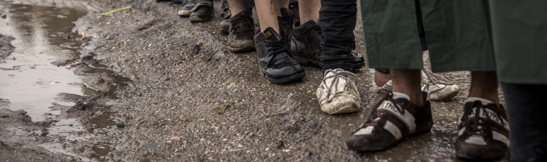 Flüchtlinge müssen in den Camps unter unzureichenden Bedingungen zurecht kommen. Foto: Olmo Calvo