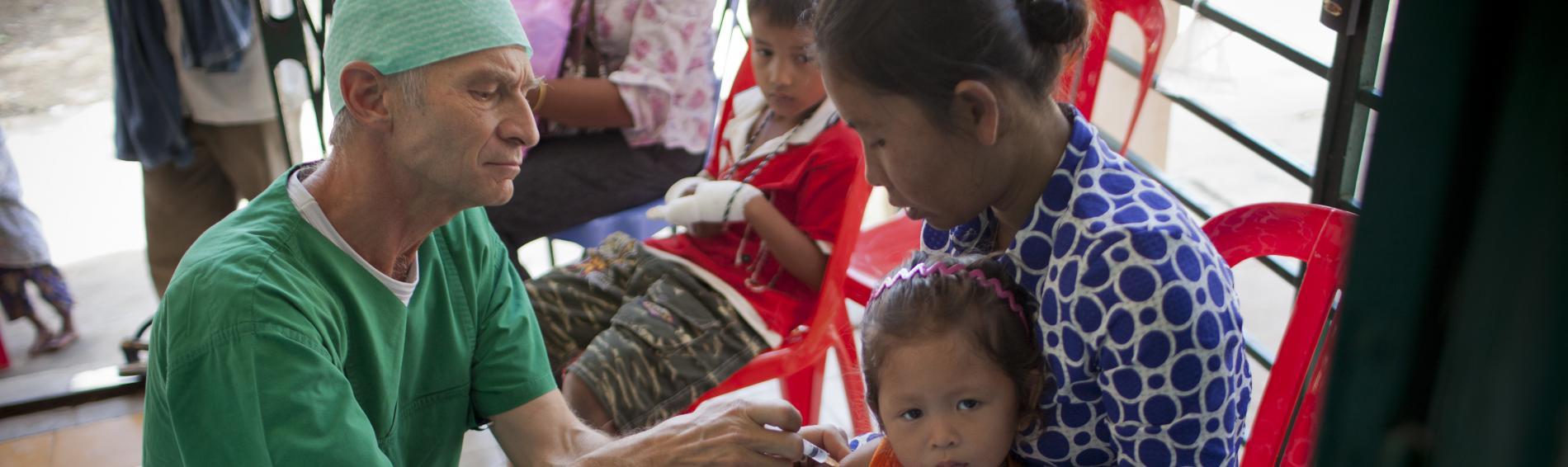 Behandlung eines Kleinkindes. Foto: Fabian Fierchter