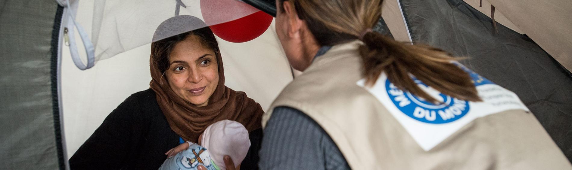Immer mehr Frauen flüchten alleine mit ihren Kindern. Foto: Guillaume Pinon