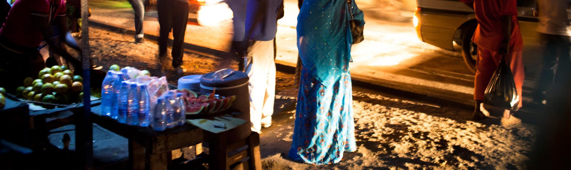 Scène de rue, à Dar-Es-Salam, en Tanzanie © William Daniels