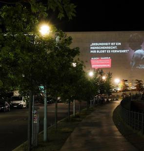 Projektion im Berliner Regierungsviertel. Foto: Pedro Becerra