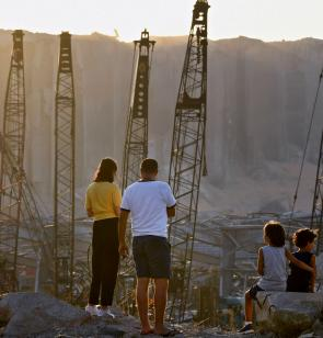Blick auf den Hafen in Beirut nach der Explosion