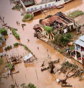 Überflutungen in Mosambik nach Wirbelsturm Idai. Foto: AFP/Adrien Barbier